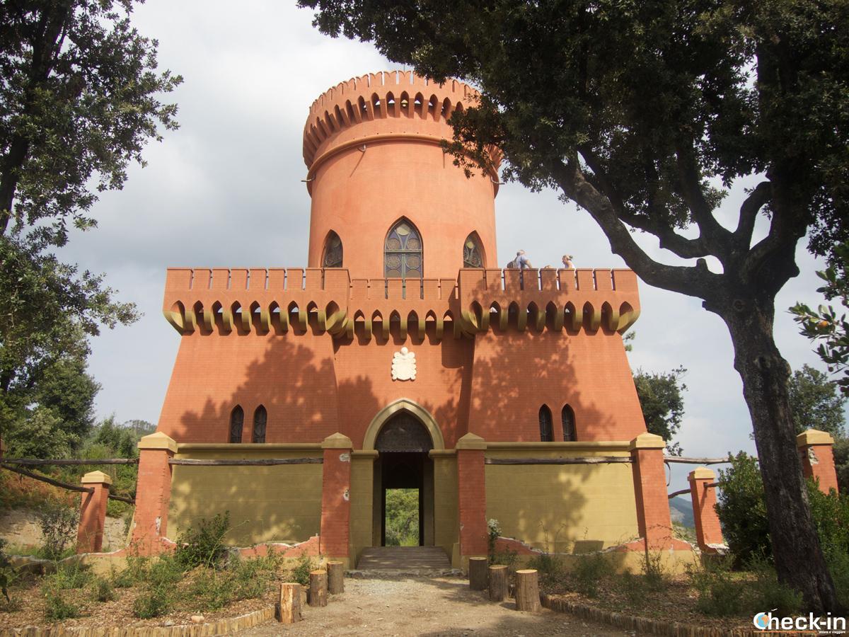 Visita di Villa Durazzo Pallavicini: il Castello del Capitano