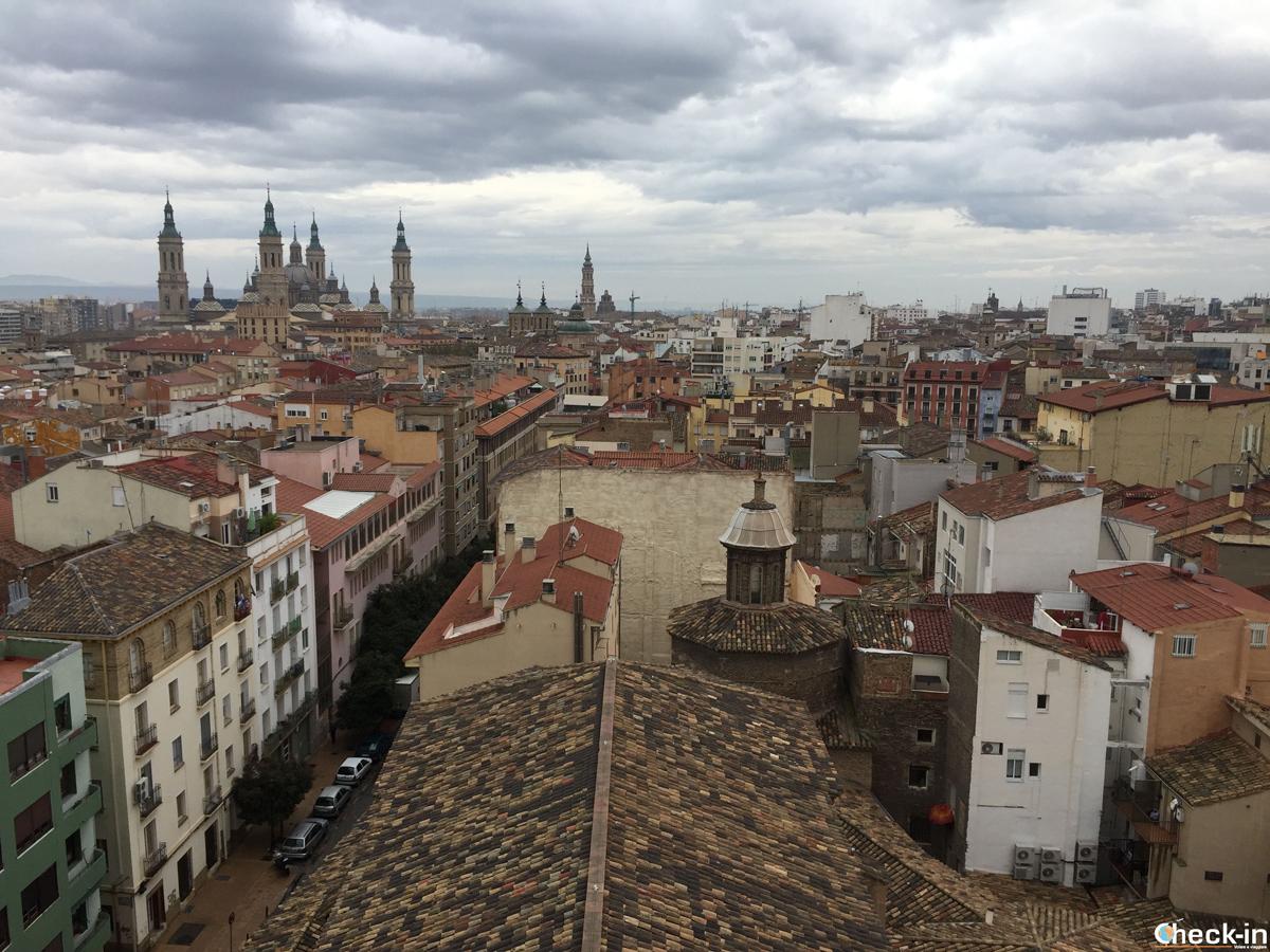 Vista panoramica di Saragozza dalla torre campanaria della Iglesia de San Pablo