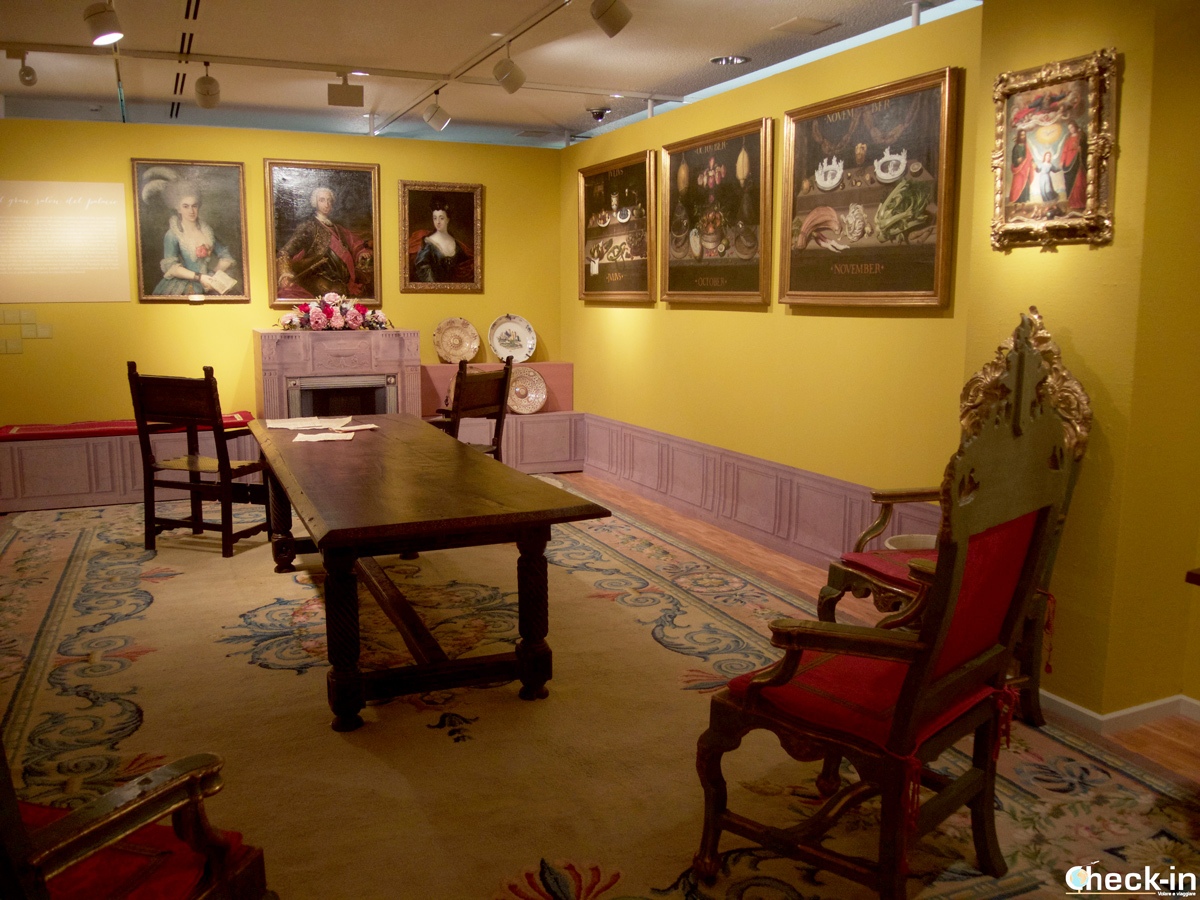 La mostra dedicata alla Saragozza del XVIII° all'interno del Patio de la Infanta