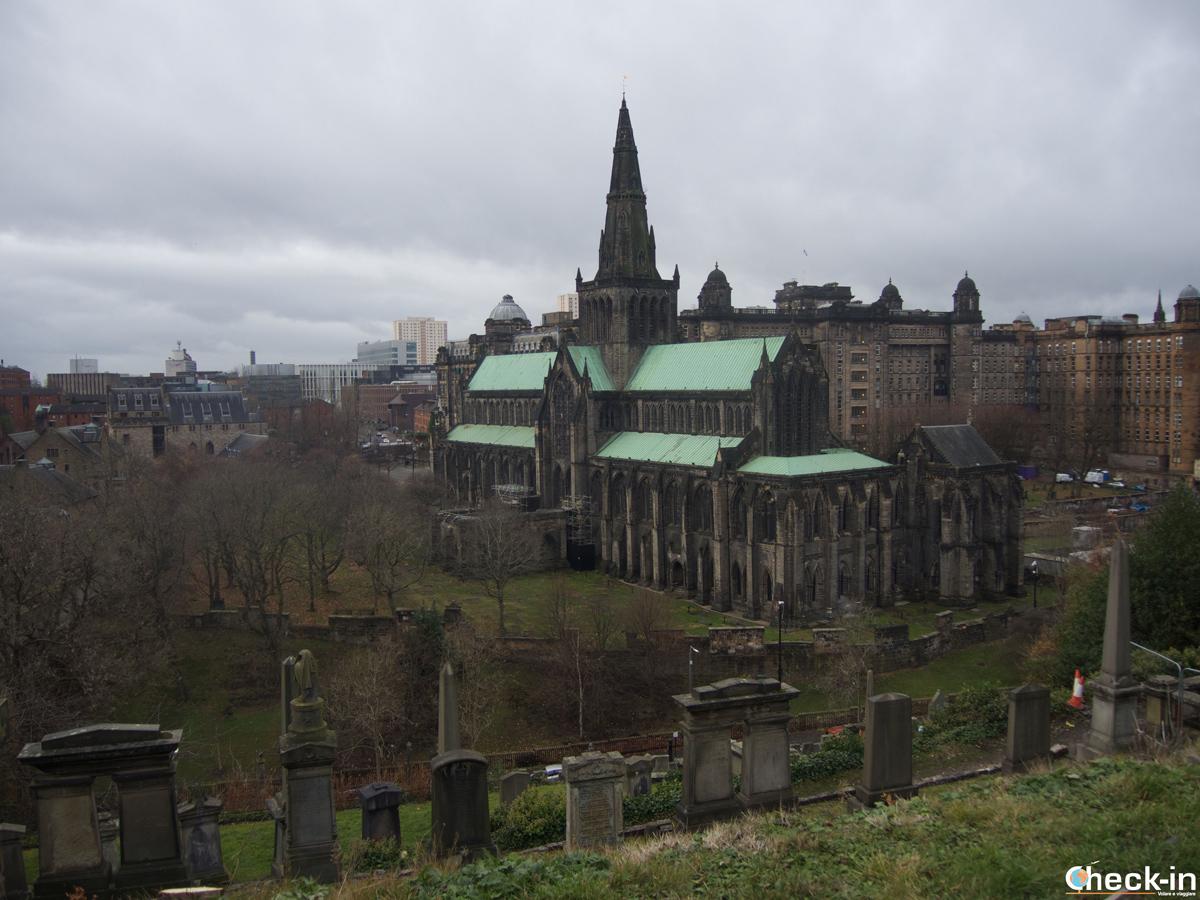 La Cattedrale di Glasgow vista dalla cima della Necropoli