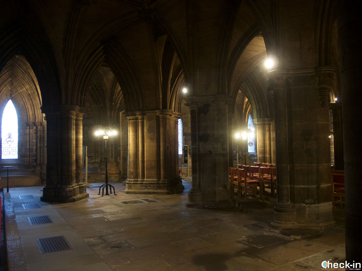 Le location di Outlander a Glasgow: la Lower Church all'interno della Cattedrale