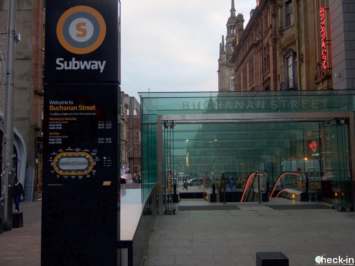 L'entrata della stazione della metro di Glasgow di Buchanan Street