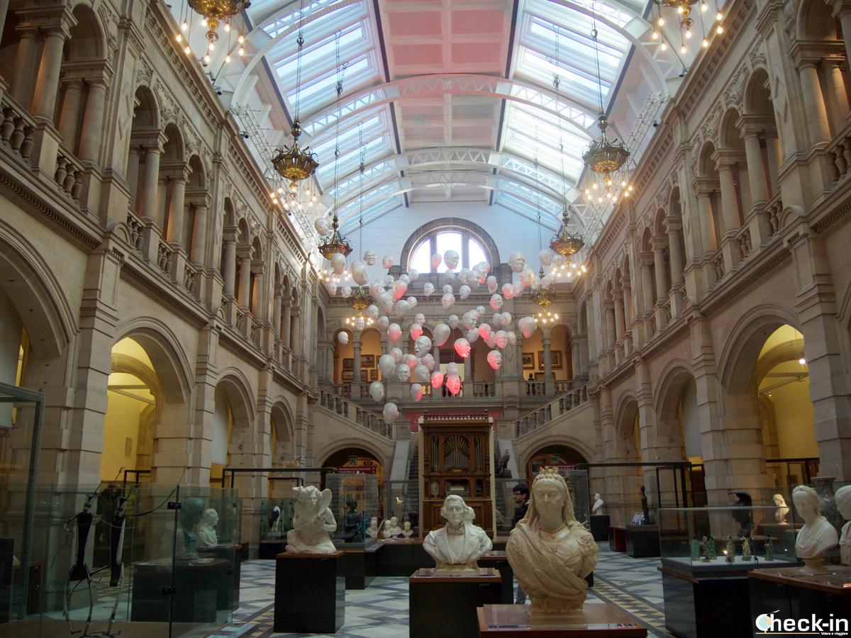 """La galleria """"Expressions"""" del Kelvingrove Art Gallery and Museum di Glasgow"""