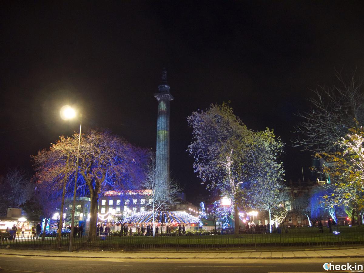 La pista di pattinaggio in St Andrew's square di Edimburgo