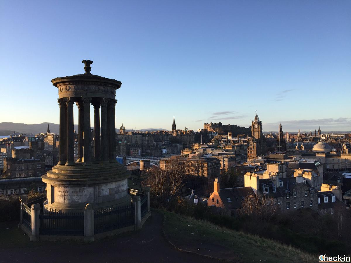 Capodanno a Edimburgo: vista dal Dugald Stewart Monument a Calton Hill