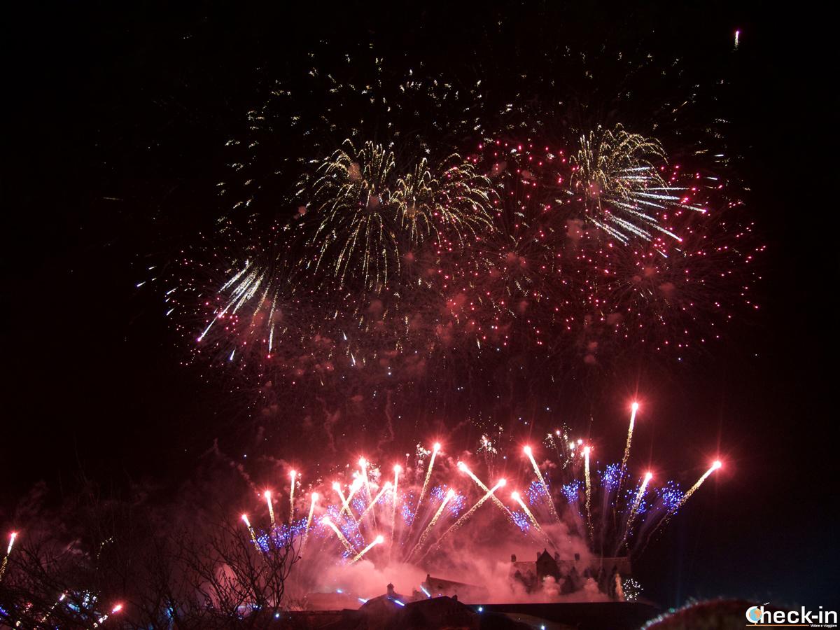 Capodanno a Edimburgo (Hogmanay): fuochi d'artificio dal Castello