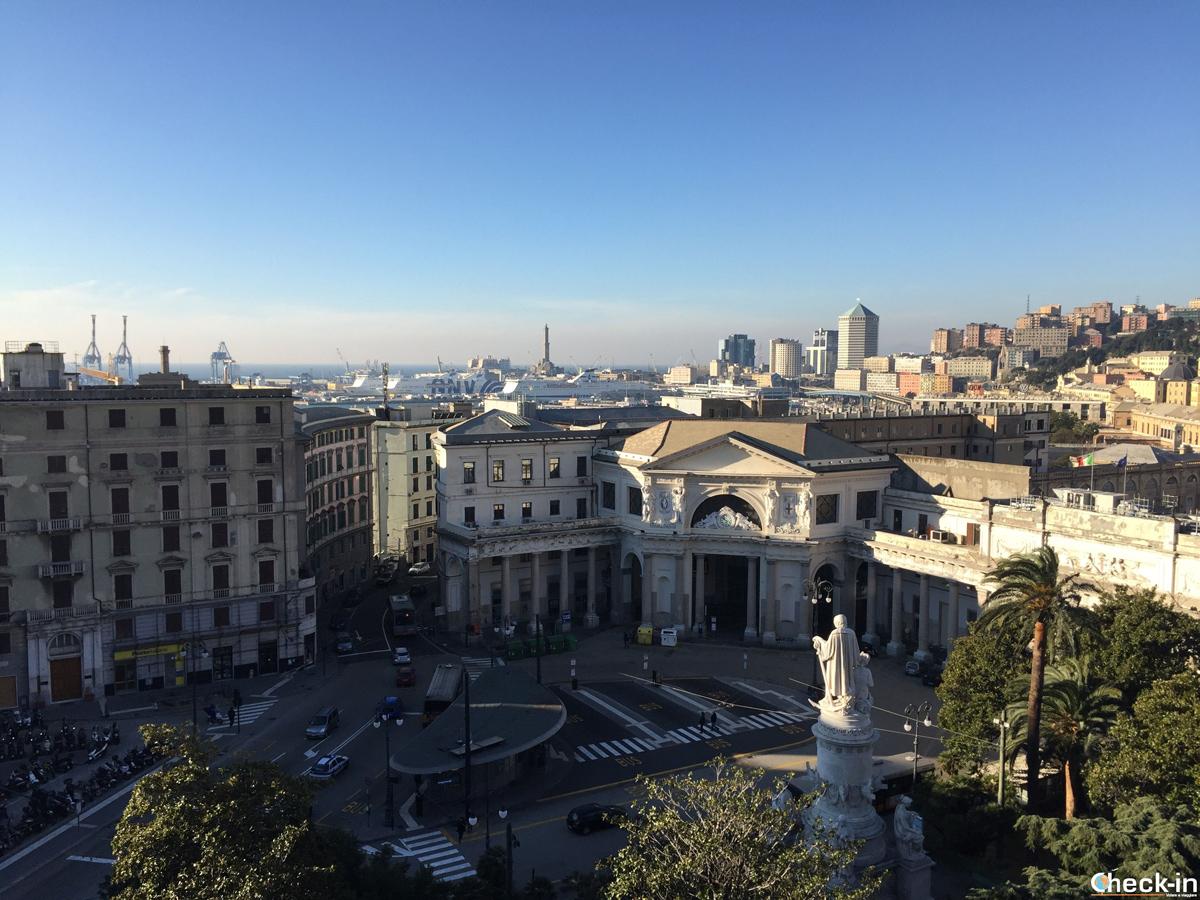 Panorama dalla finestra della mia camera al Grand Hotel Savoia di Genova