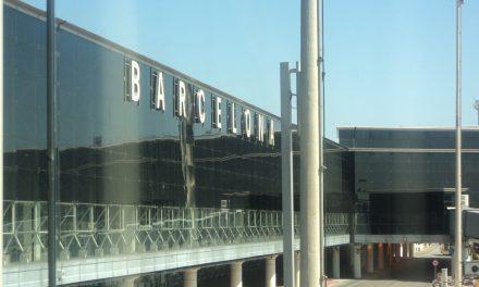 """Barcellona, muoversi in città coi trasporti pubblici utilizzando la """"Hola Bcn card"""""""