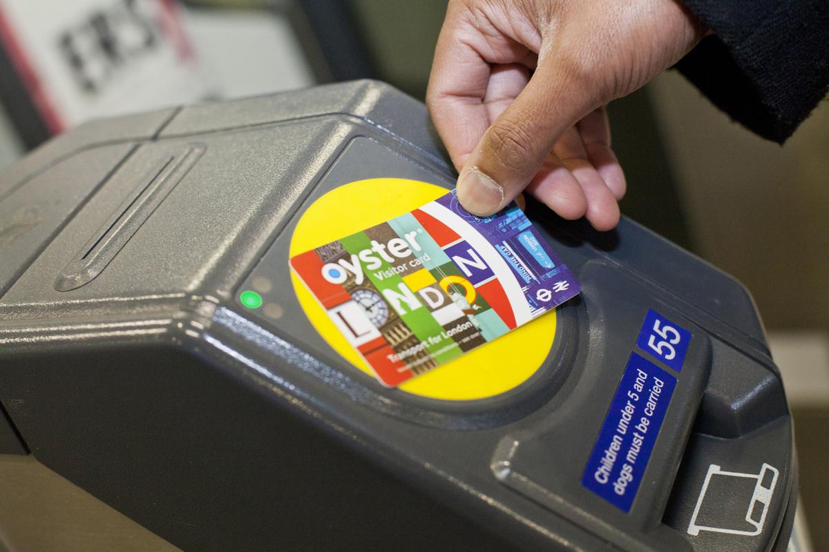 La Visitor Oyster Card per viaggiare in metropolitana a Londra