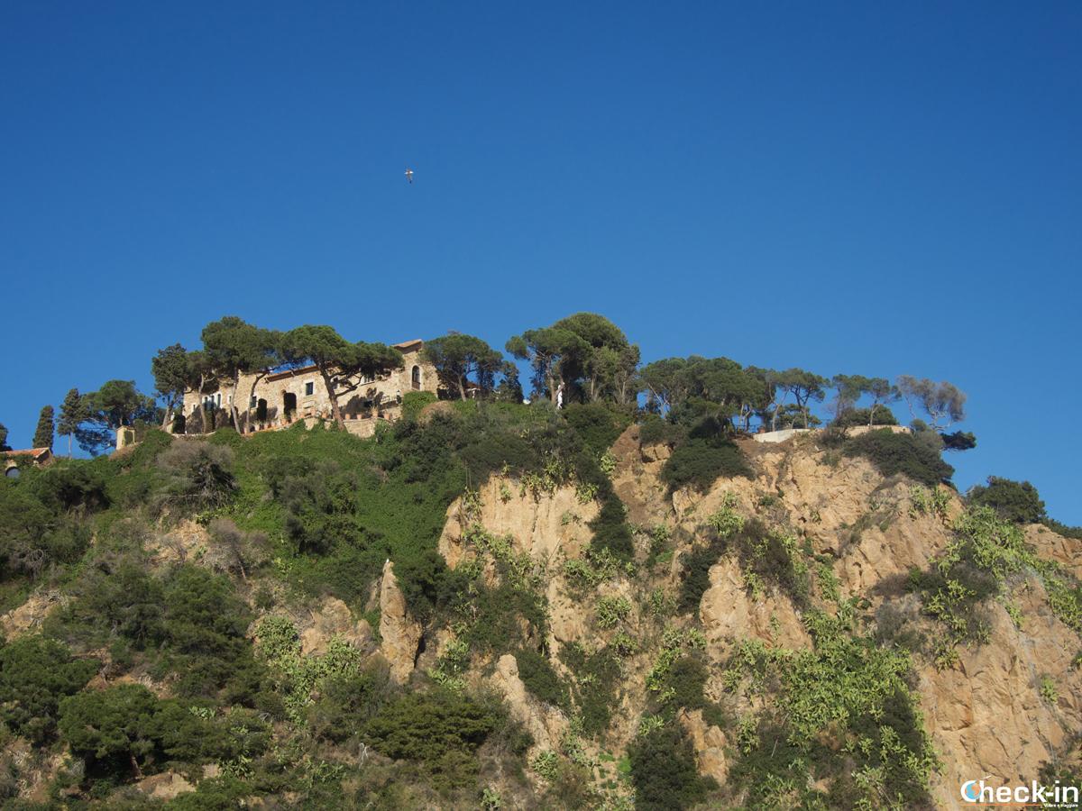 Il convento dei cappuccini sopra Punta S. Anna a Blanes