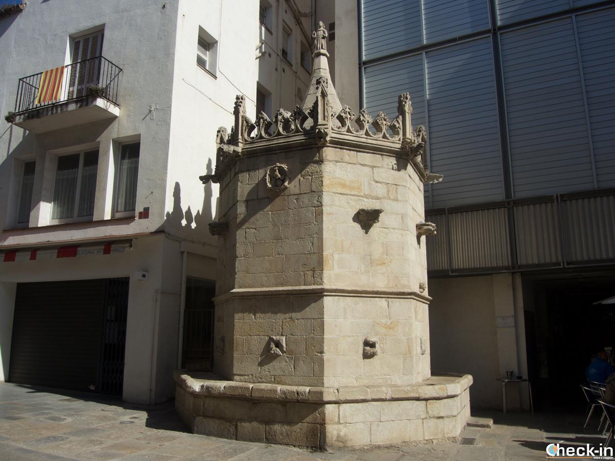 La Fontana Gotica in Carrer Ample a Blanes, Spagna