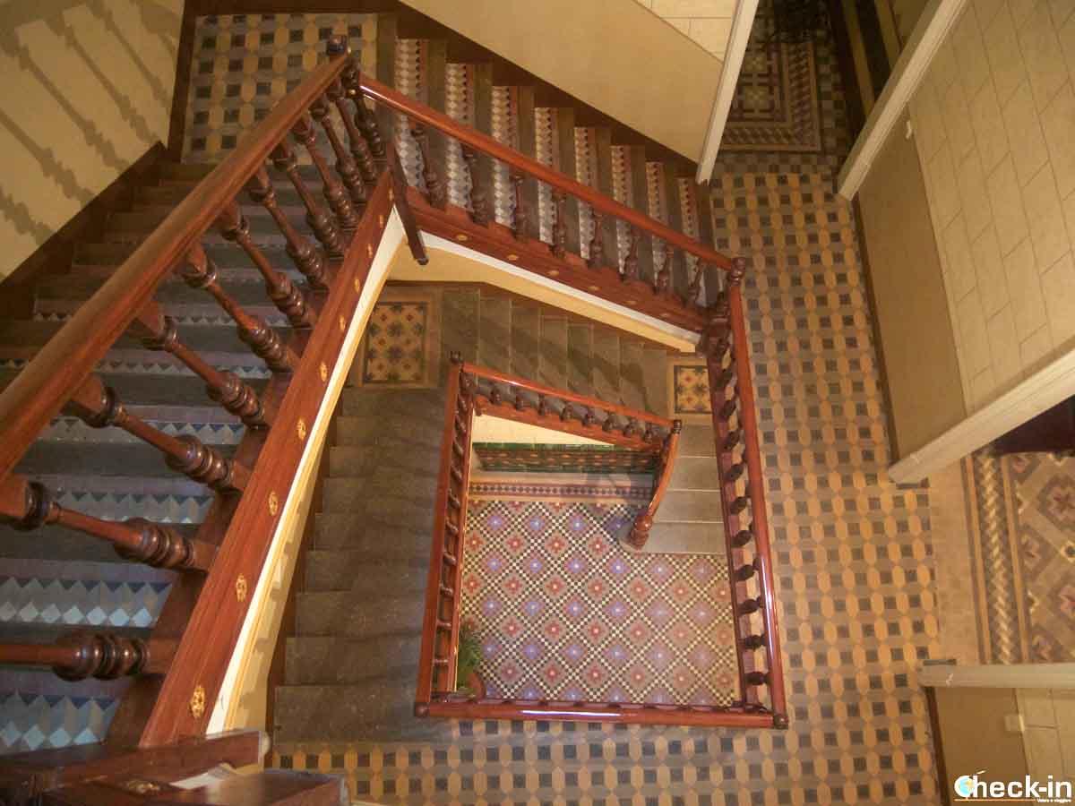 Incroci di scale all'interno di Can Font a Lloret de Mar