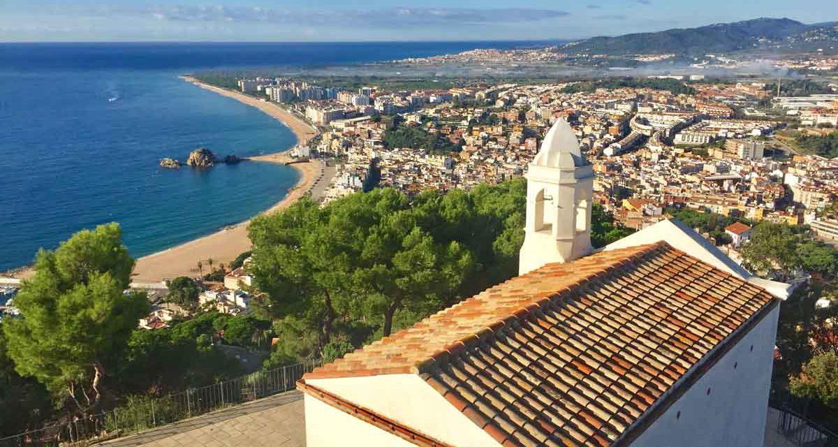 """Blanes, cosa vedere nella """"prima"""" città della Costa Brava. Itinerario alla scoperta del suo nucleo antico e consigli su dove mangiare tipico."""