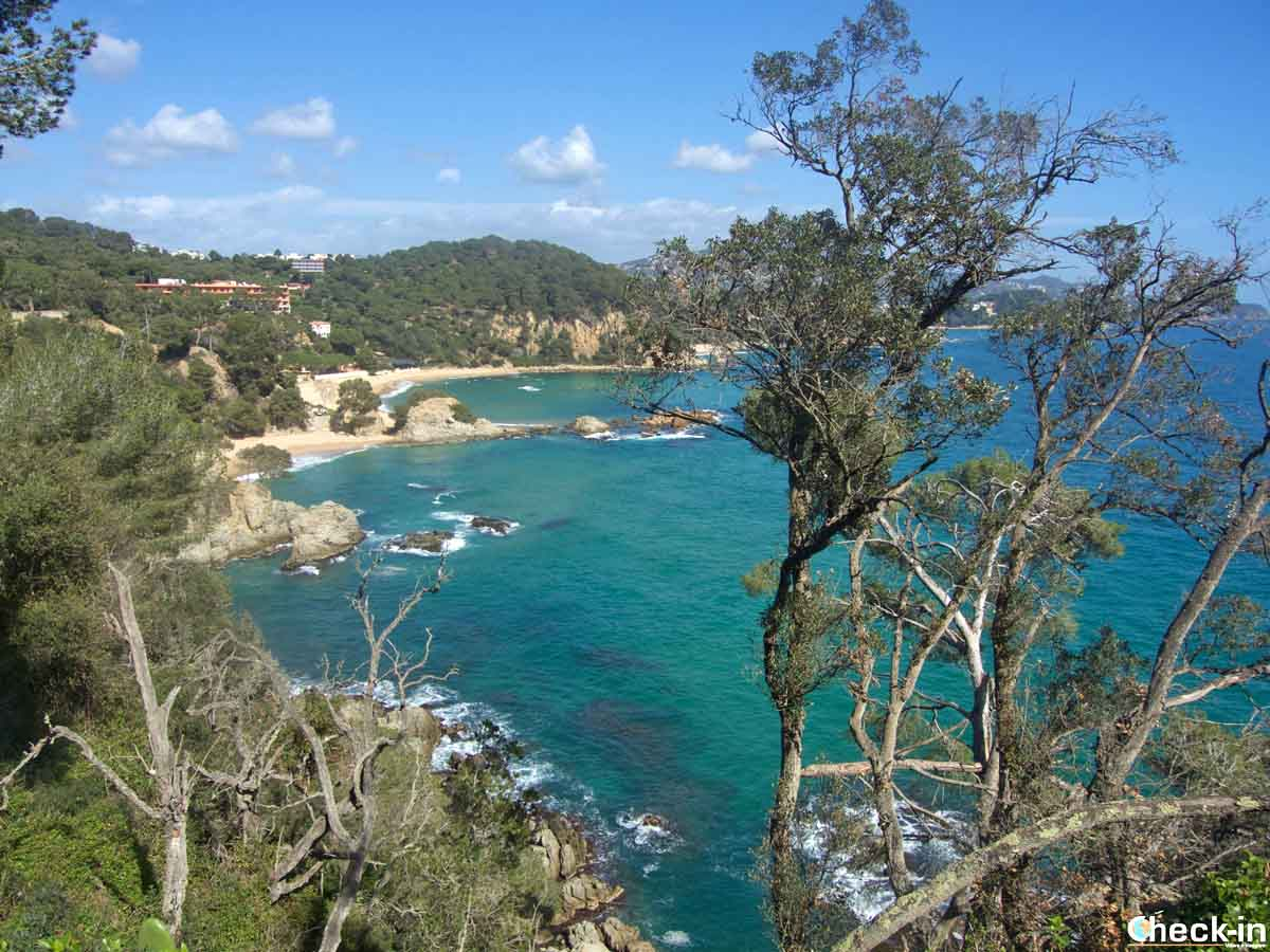 La spiaggia Treumal, confine naturale tra Blanes e Lloret de Mar