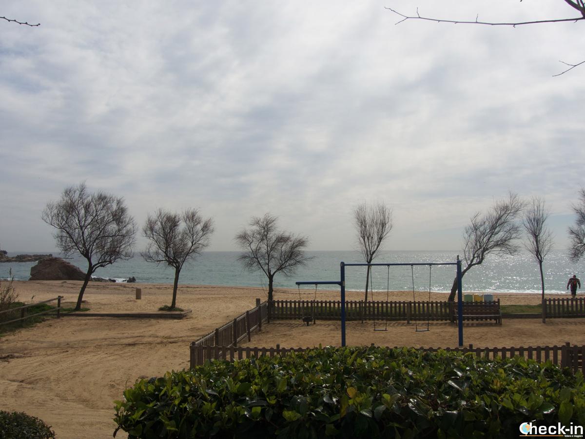 La terrazza vista mare del Ristorante Cala Canyelles di Lloret de Mar