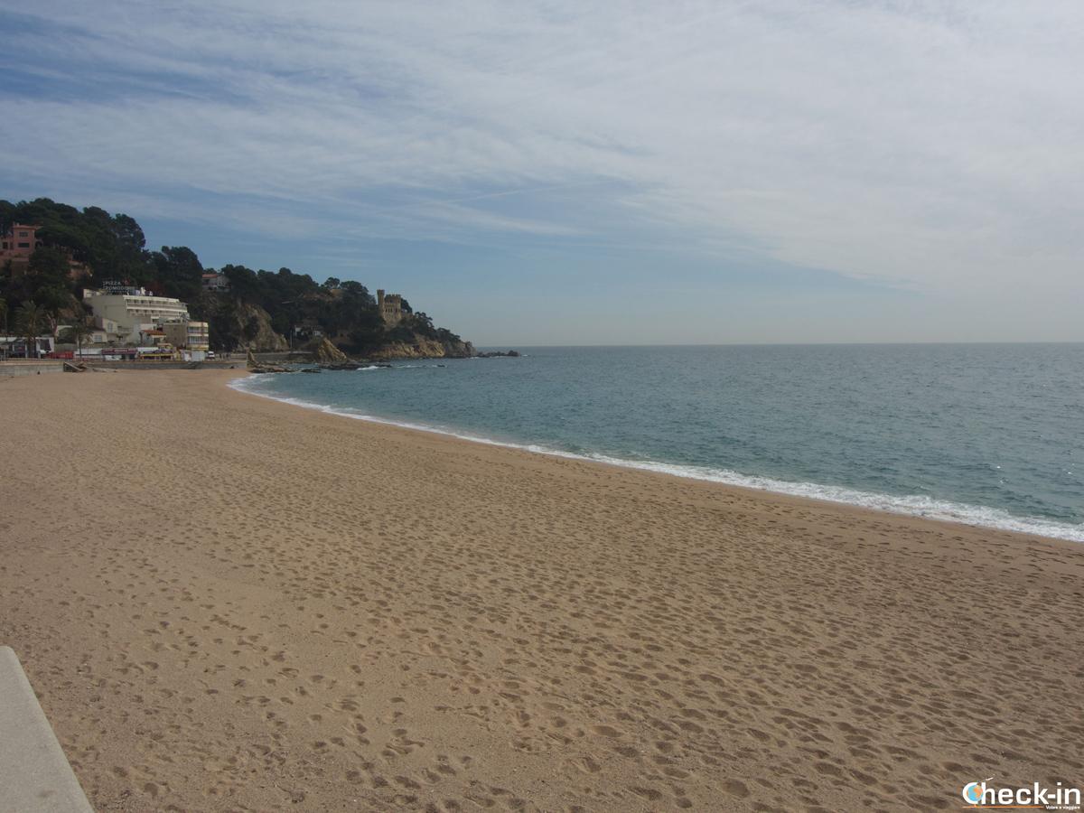 Due passi lungo la spiaggia di Lloret de Mar