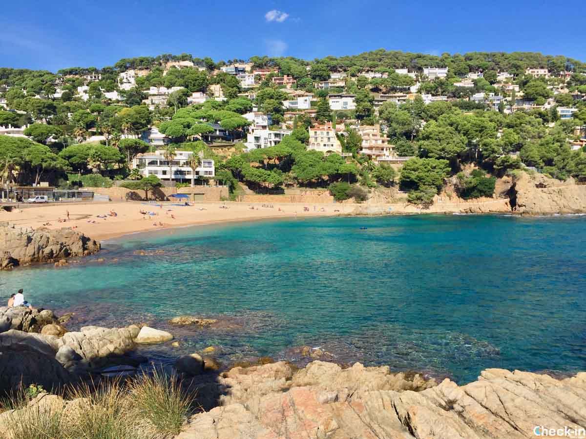 Plaja de Sant Francesc a Blanes (Spagna del nord)
