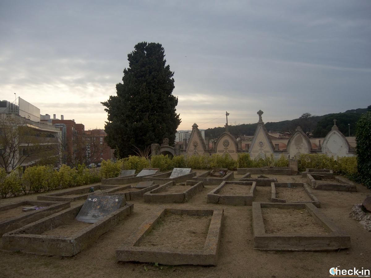 """Le tombe dei """"turisti"""" nel Cementerio modernista di Lloret de Mar"""