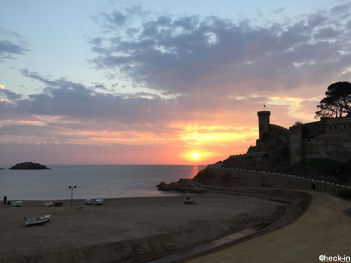 Alba su Tossa de Mar e la Vila Vella vista dall'Hotel Capri