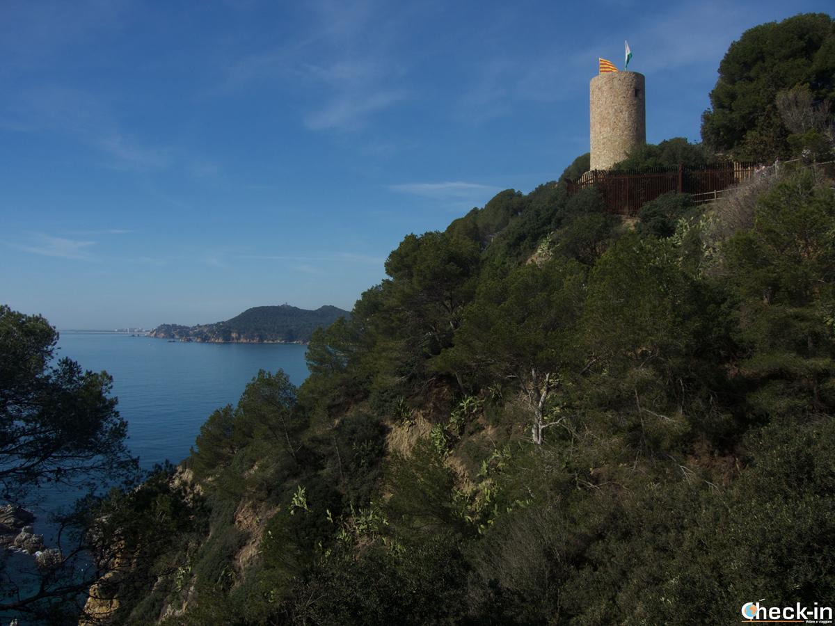 Marcha nórdica hacia el Castell Sant Joan en Lloret de Mar