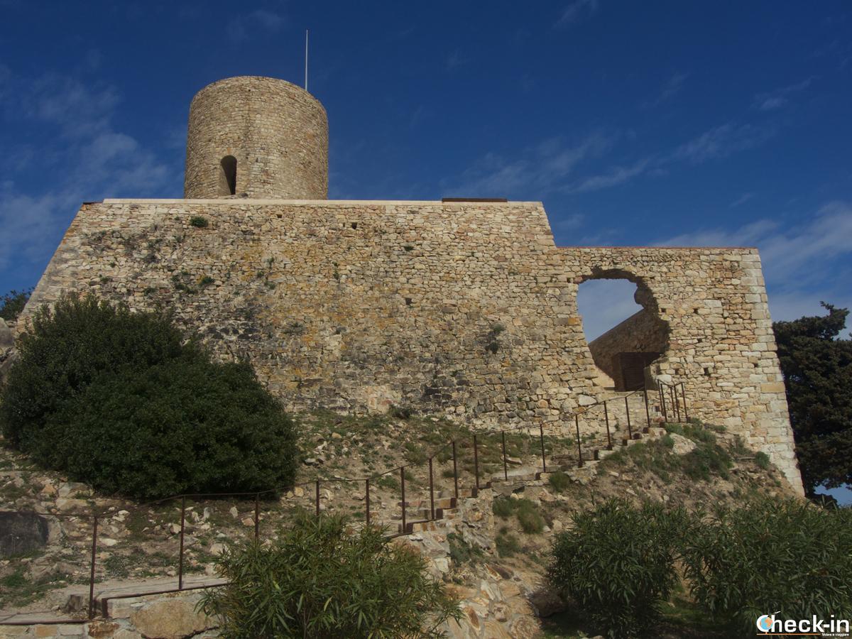 Las ruinas del Castillo de Sant Joan en Blanes, España