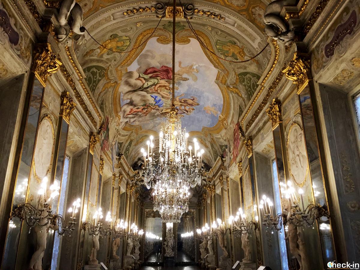 La Galleria degli Specchi nel Museo di Palazzo Reale a Genova