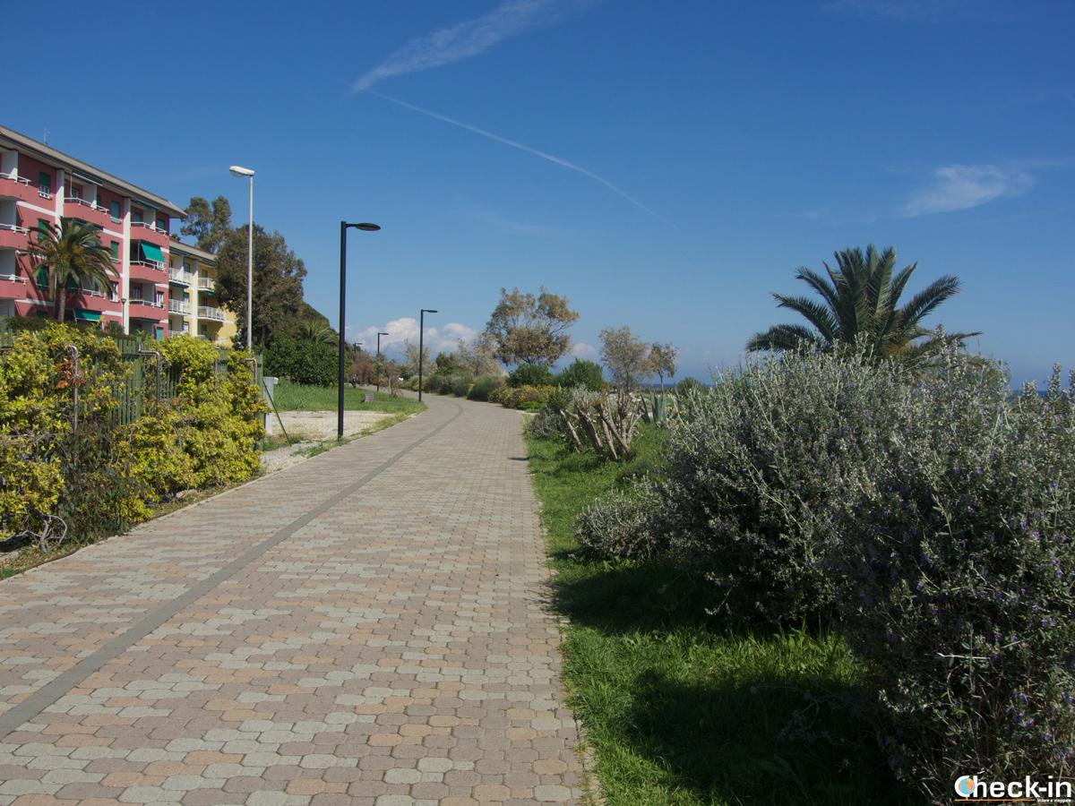 Passeggiata lungomare tra Cogoleto e Arenzano in Liguria