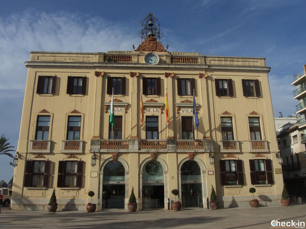Qué ver en Lloret de Mar, España - El Ayuntamiento modernista