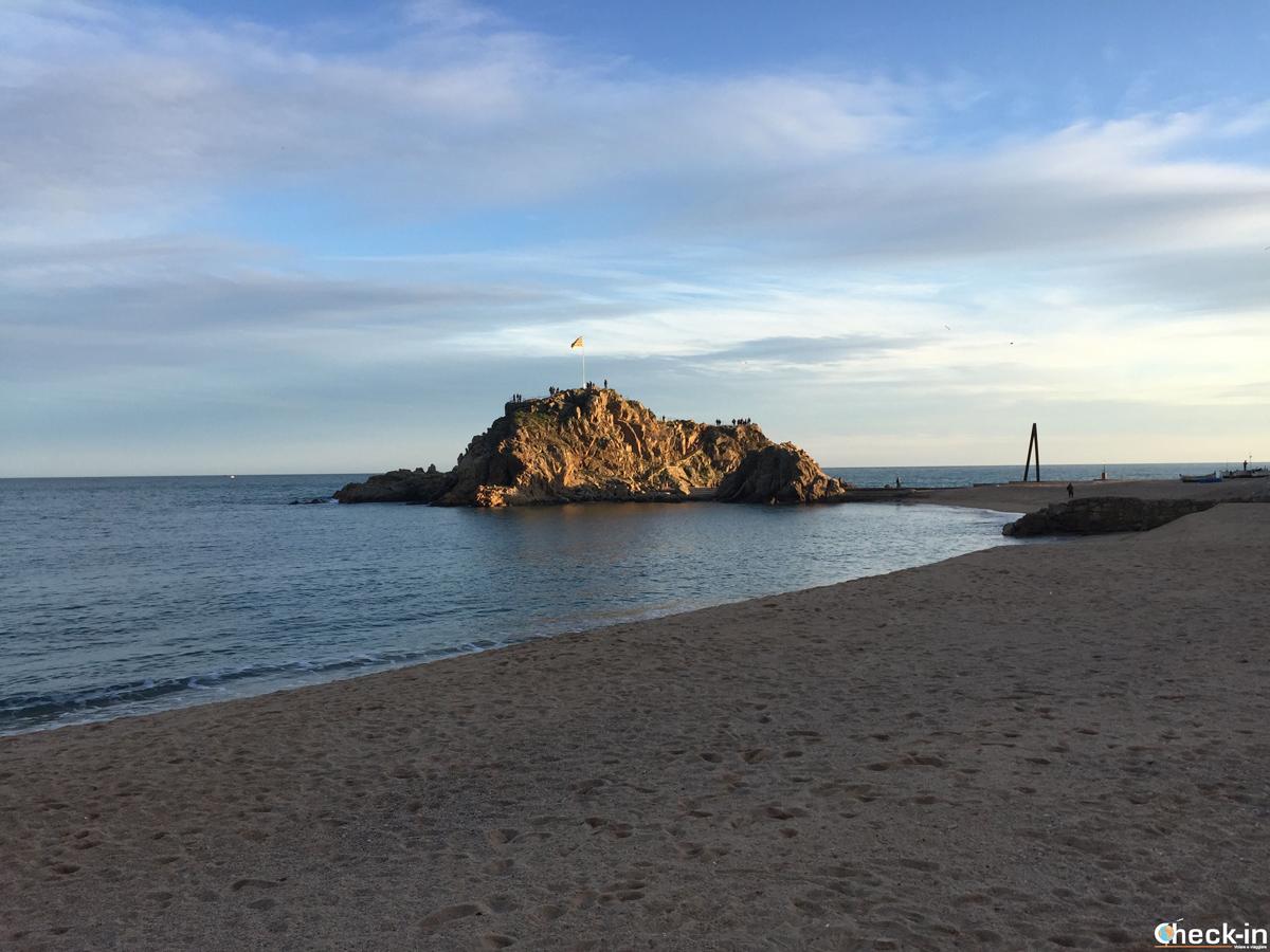 Sa Palomera, la roca que marca el principio de la Costa Brava
