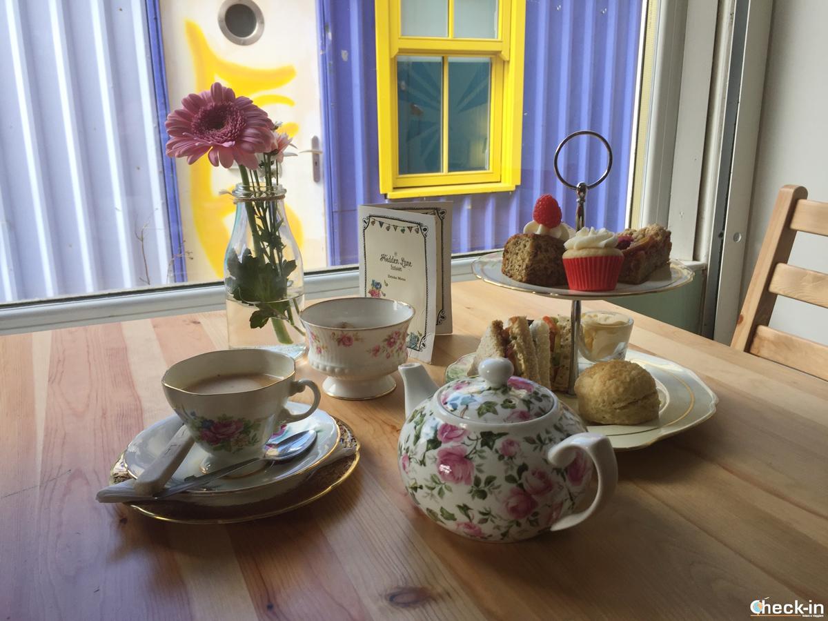 Pranzo alla Hidden Lane Tearoom di Glasgow, Scozia