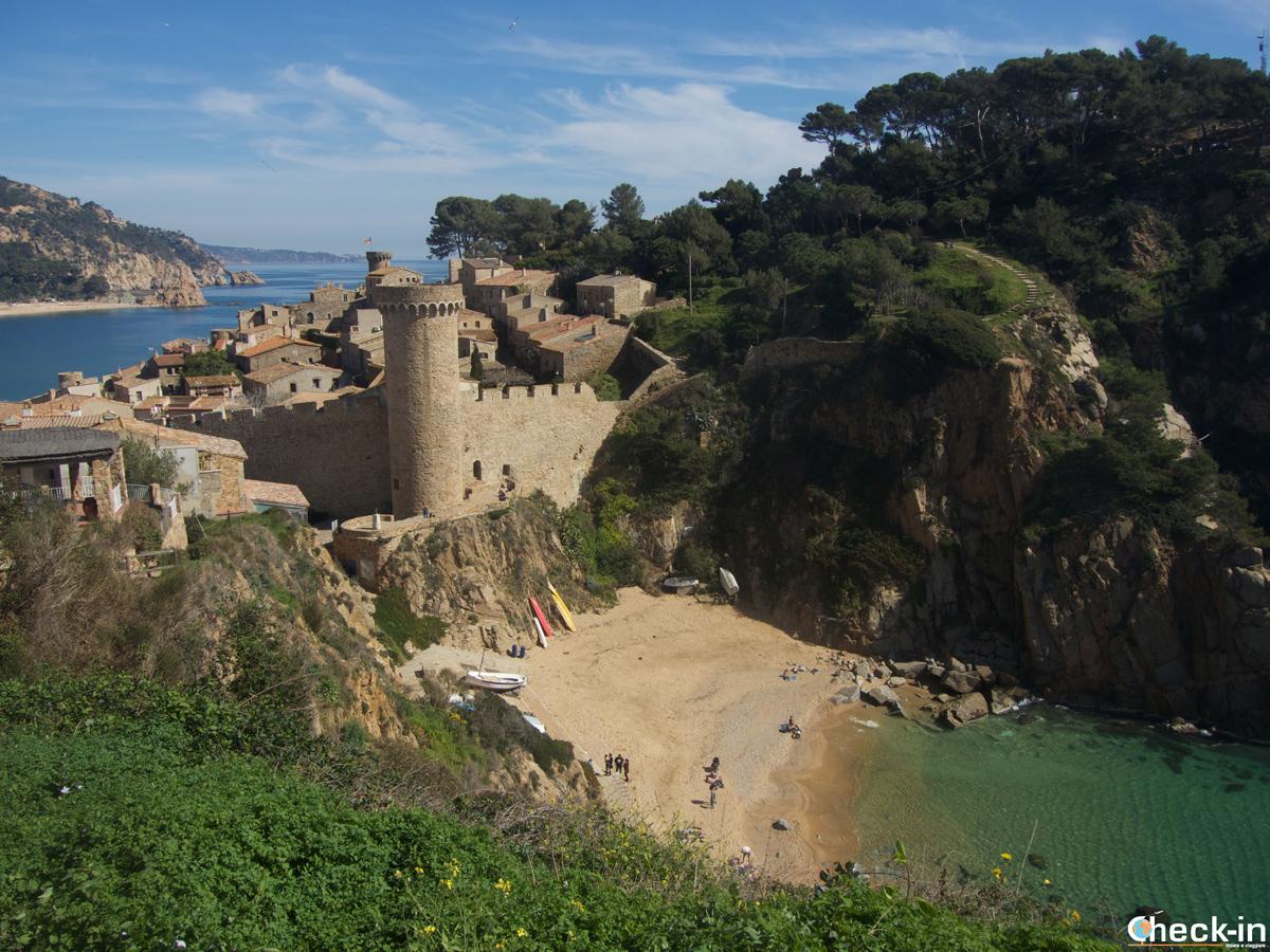La Vila Vella de Tossa de Mar y la playa Es Codolar