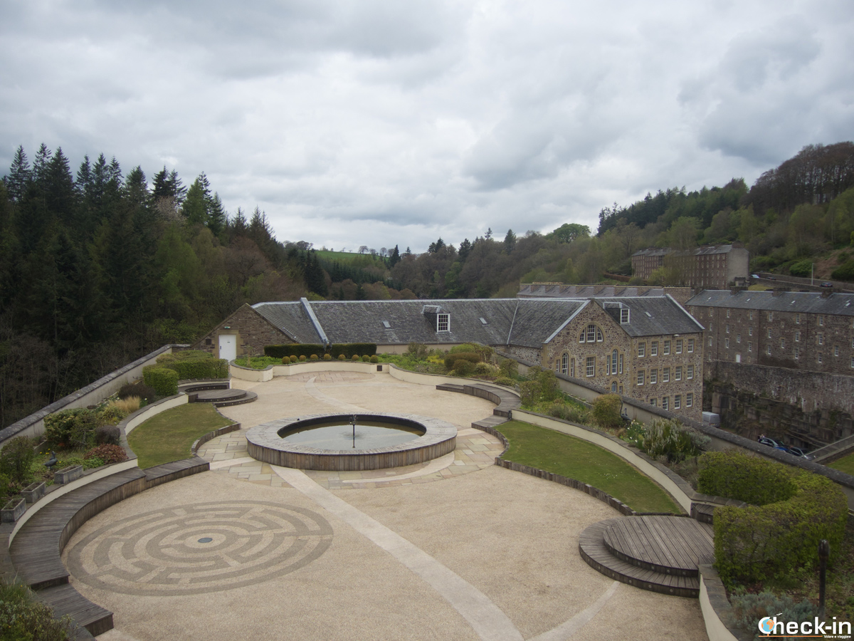 Panorama di New Lanark dal Roof Garden