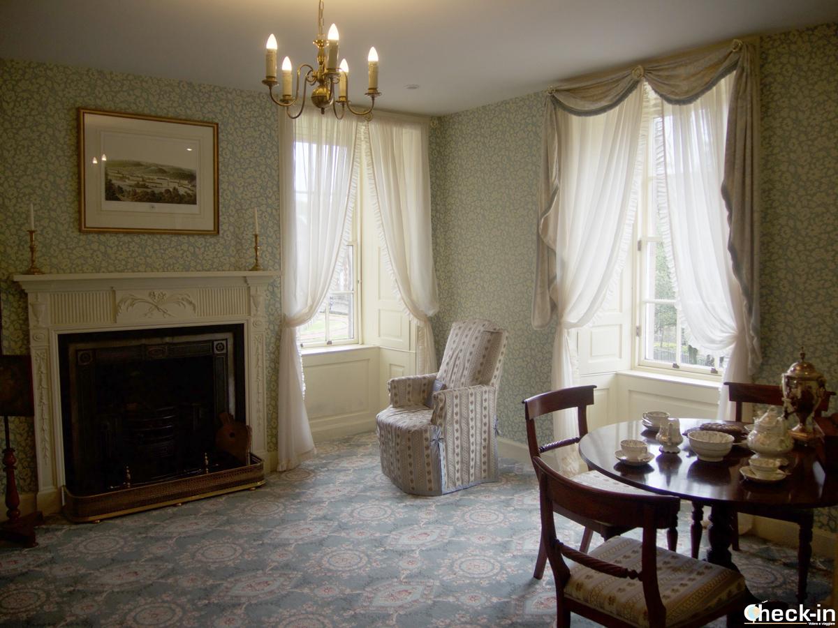 The elegant sitting room in Robert Owen's House in New Lanark