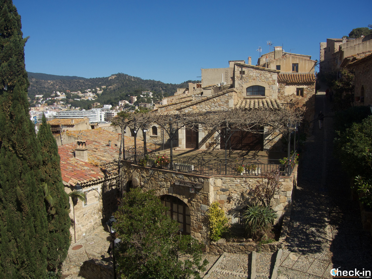 Vistazo de la ciudad medieval de Tossa de Mar