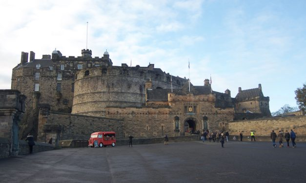 Edinburgh Castle, what to see in Scotland's main attraction and how to purchase the tickets in advance from this article