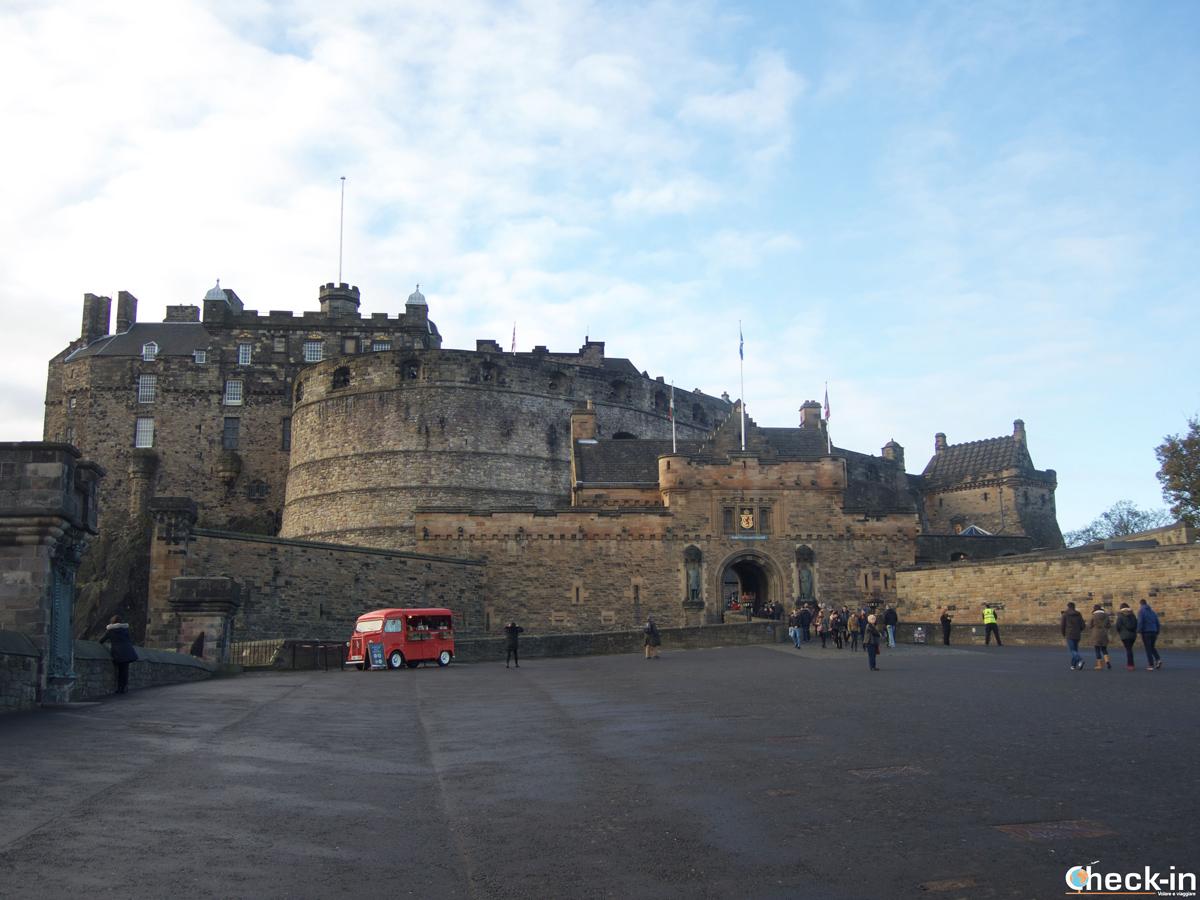 Visit of Edinburgh Castle, Scotland's top attraction