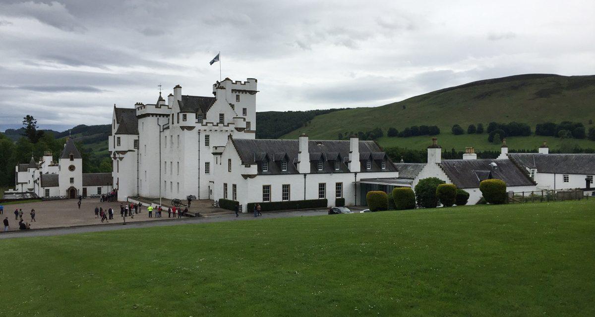 Blair Castle, visita della dimora dei Duchi di Atholl che ospita l'ultimo esercito privato di Highlander d'Europa.