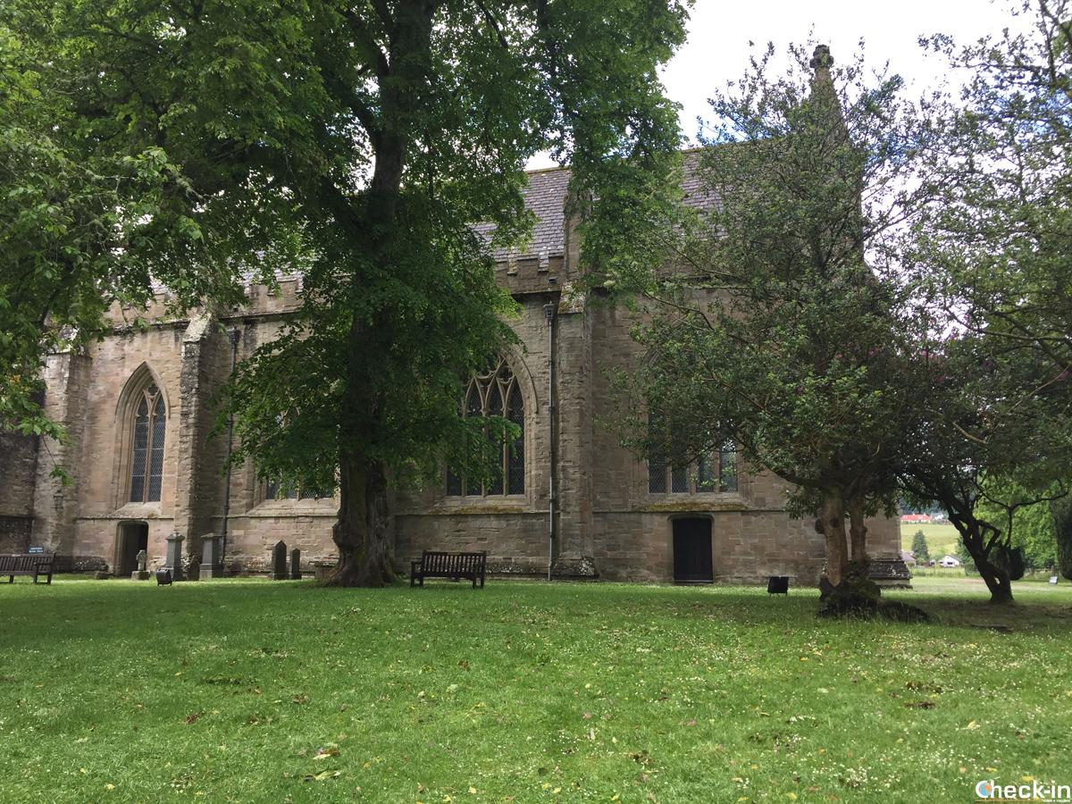 Cattedrale di Dunkeld e cimitero