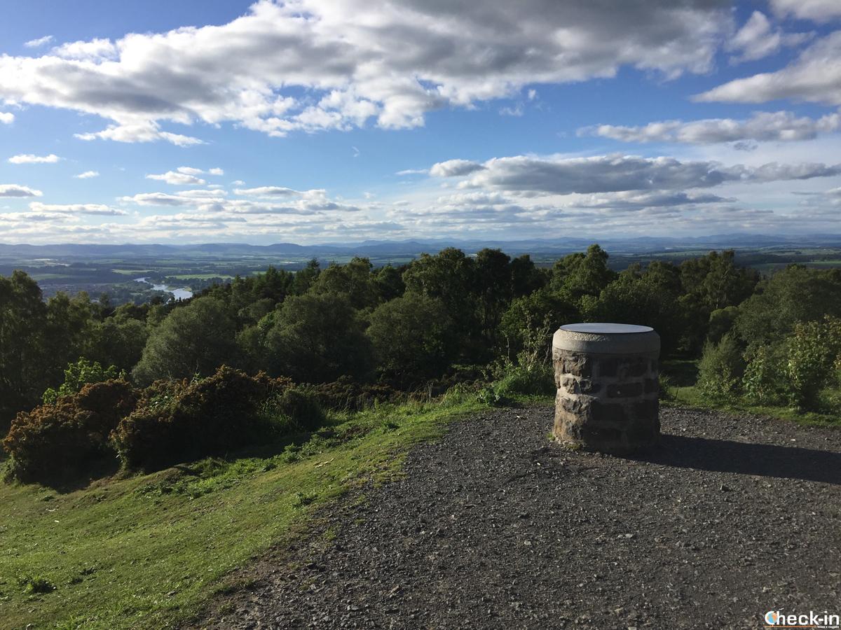 Salita in cima alla Kinnoull Hill di Perth (Scozia)