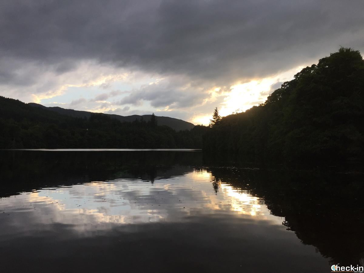 Tramonto sul fiume Tummel nei pressi della Pitlochry Dam