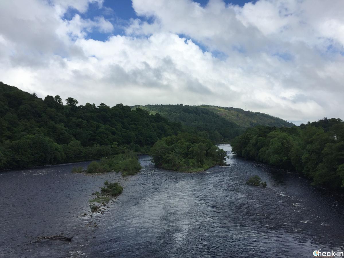 Crossing the Dunkeld Bridge over River Tay