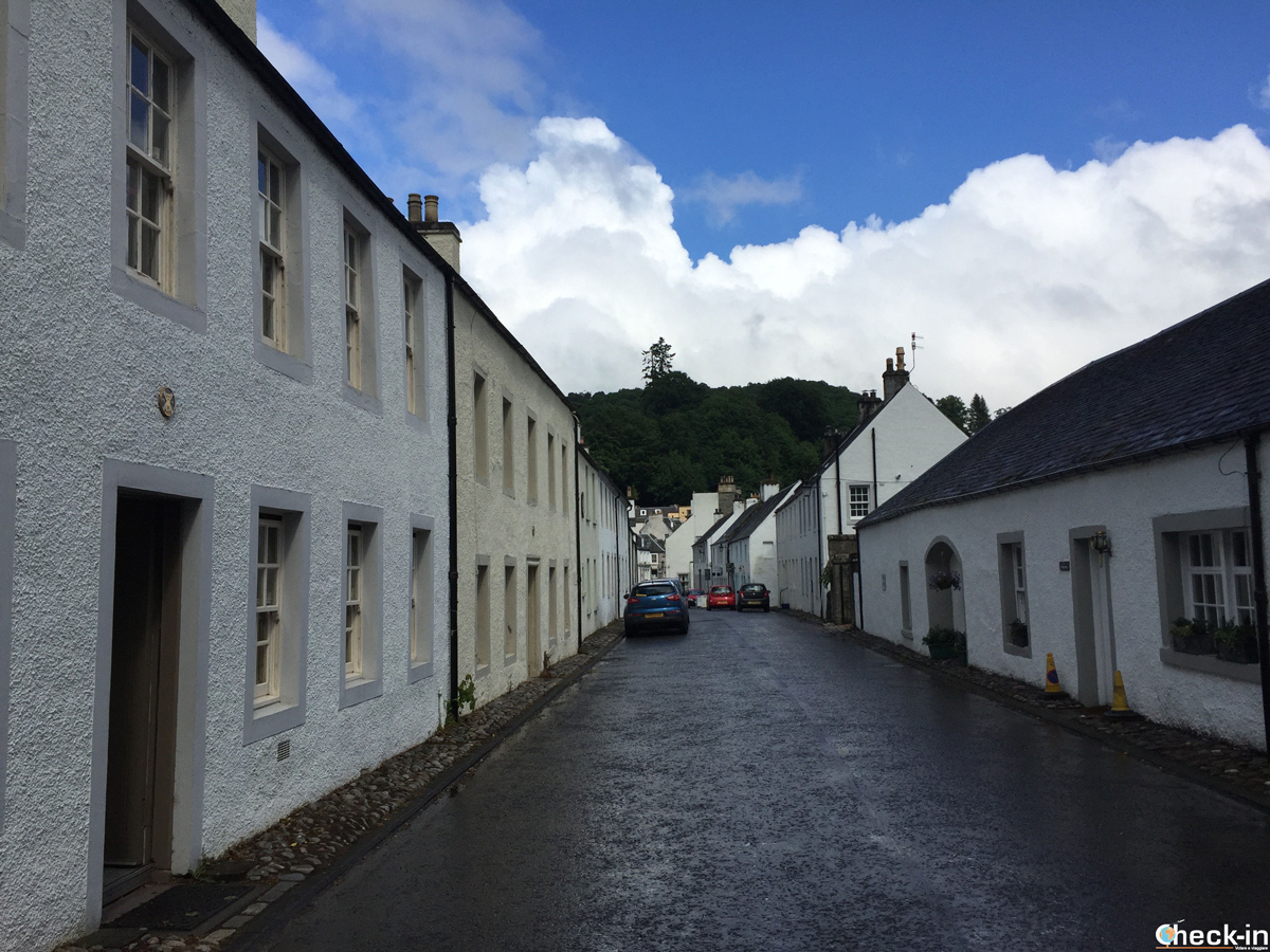 """The """"Little Houses"""" along Cathedral Street in Dunkeld"""