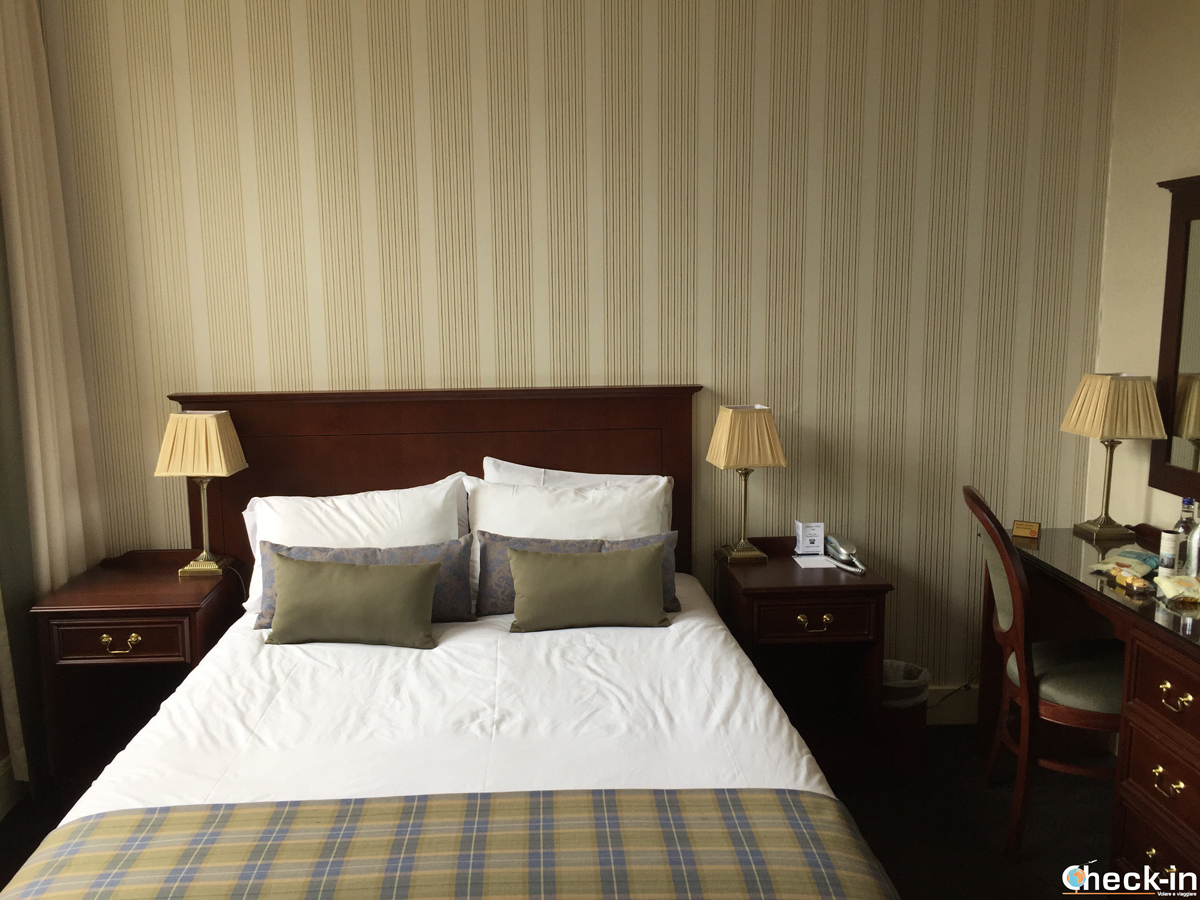 Double room at The Salutation Hotel in Perth (Scotland)