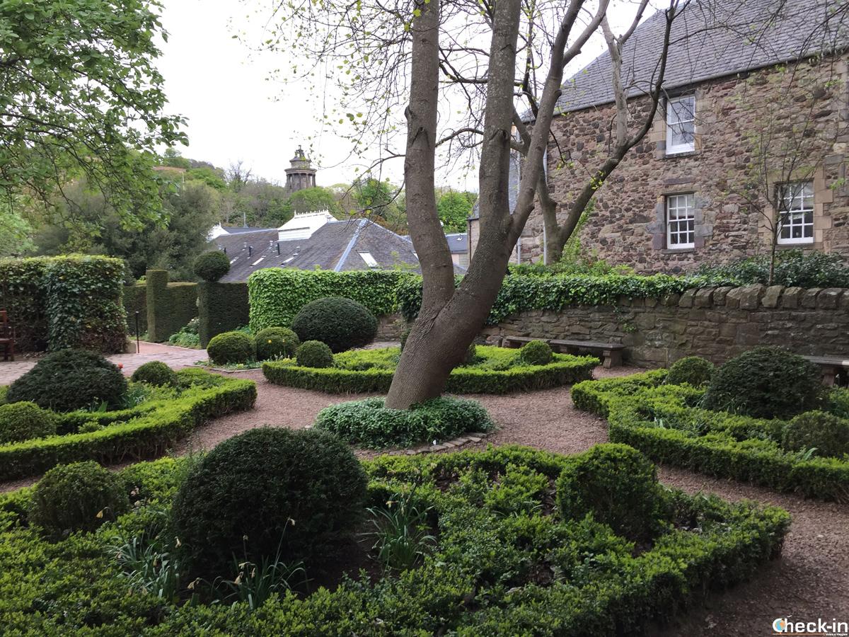 Il Dunbar's Close Garden in Canongate a Edimburgo