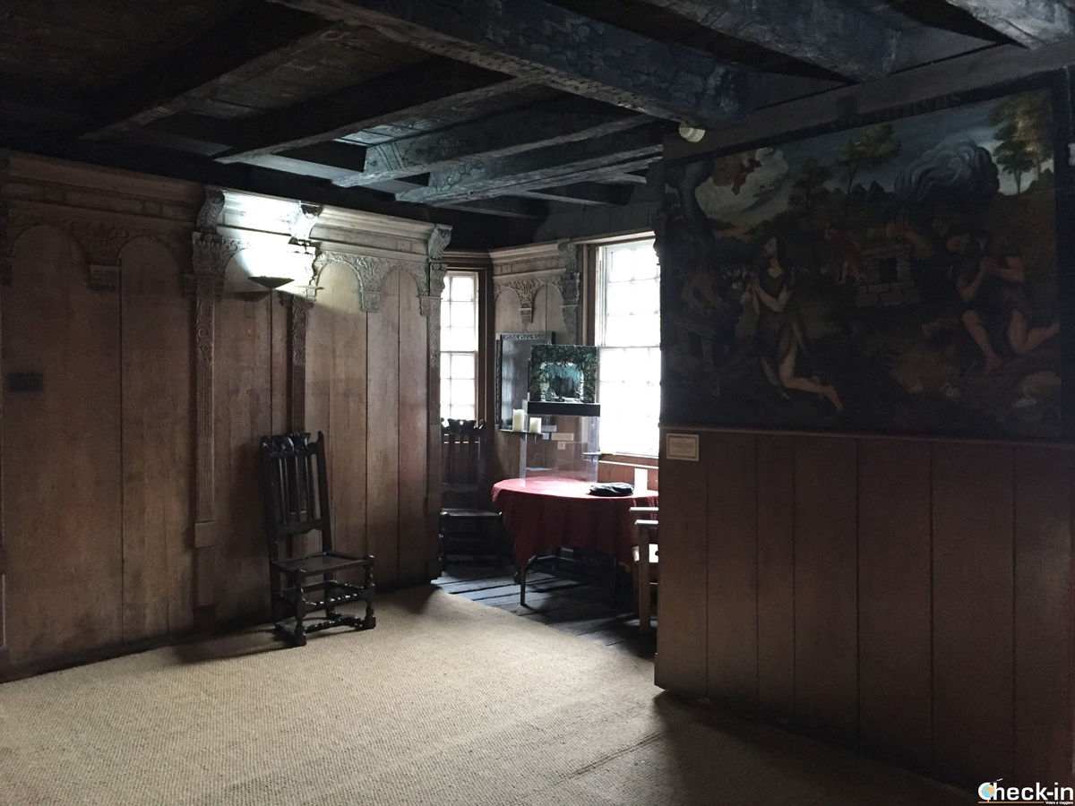 La Oak Room nella John Knox House sul Royal Mile di Edimburgo