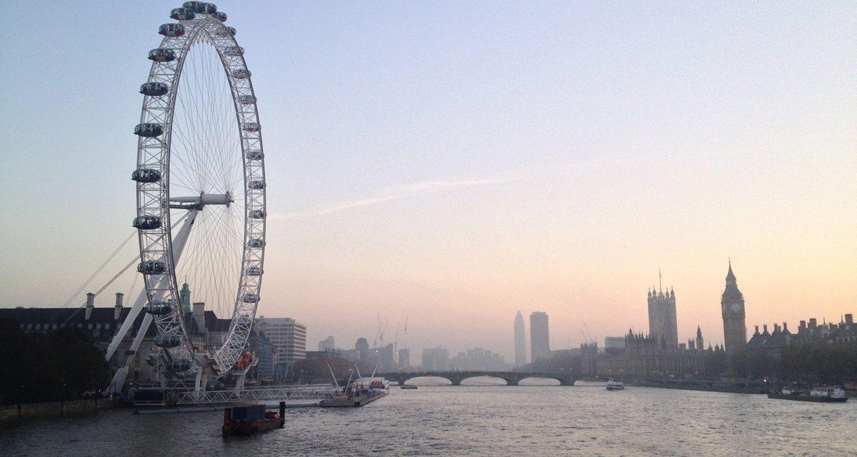 London Eye di Londra, la ruota panoramica più alta d'Europa. Aneddoti, informazioni pratiche ed acquisto online dei biglietti.