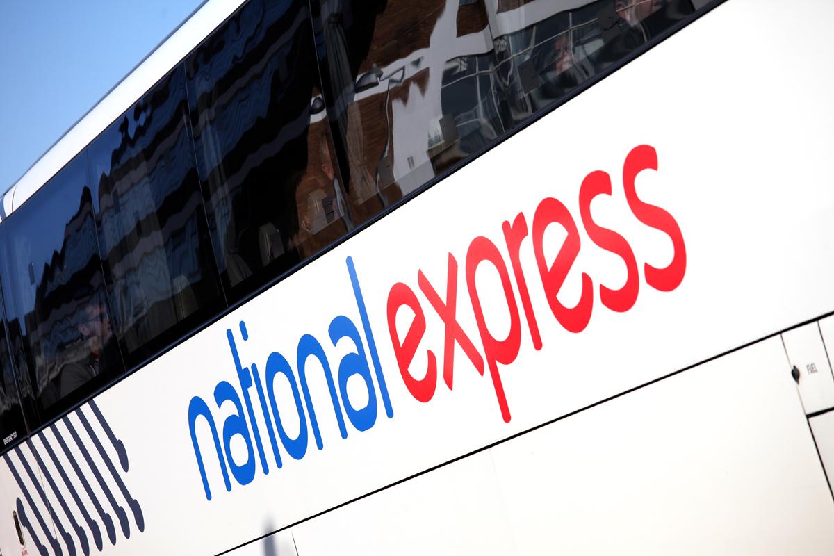 Collegamento bus National Express dall'aeroporto di Luton al centro di Londra