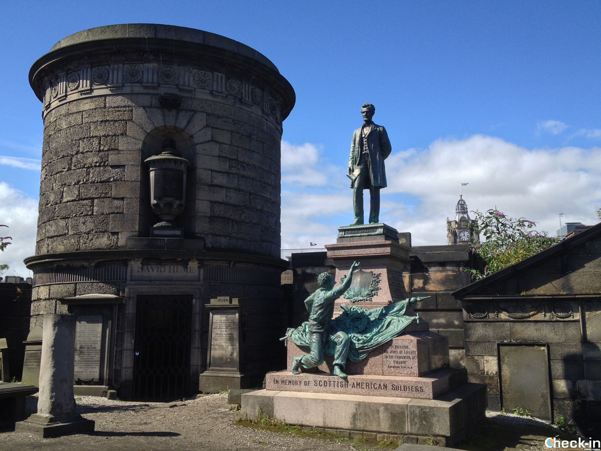 L'Old Calton Burial Ground, il cimitero di Calton Hill a Edimburgo
