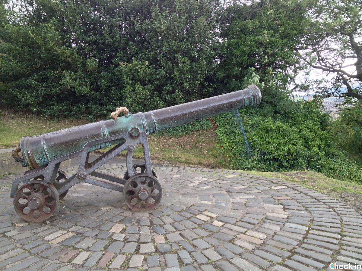 Il Portoguese Cannon a Calton Hill, Edimburgo