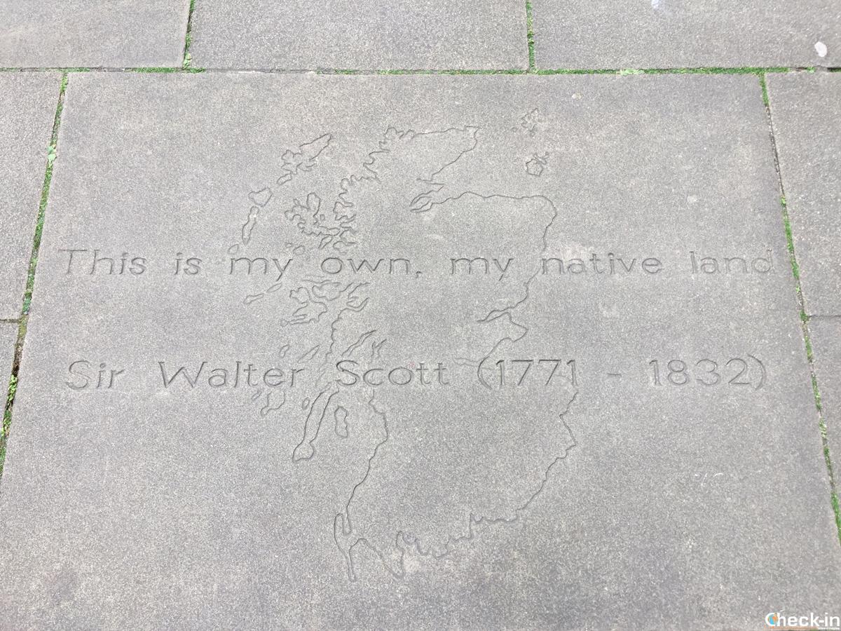 Writers' Museum a Edimburgo, citazione di Sir Walter Scott